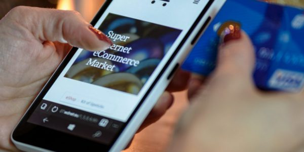 e-shopping-mobile-retina